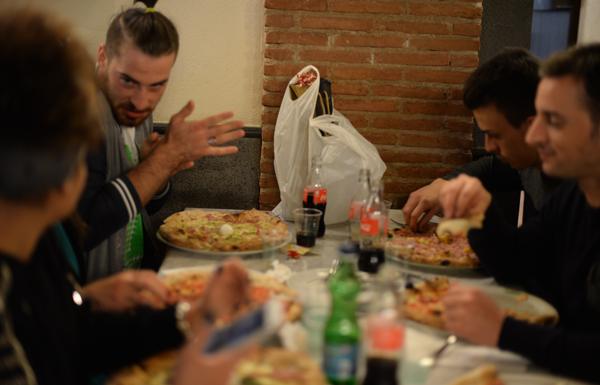 napoli-pizzeria-decumani-tribunali-amici-sala-interna