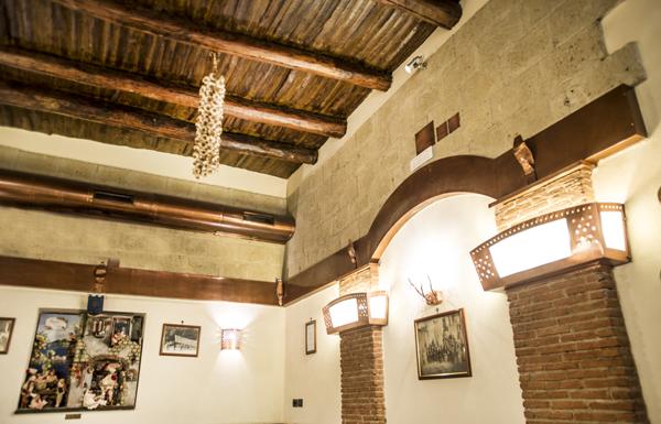 napoli-pizzeria-decumani-tribunali-centro-storico-sala-interna